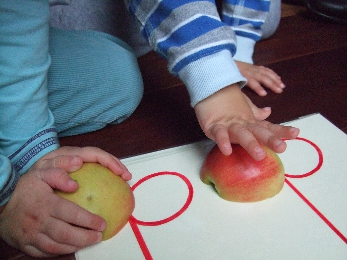 photo, teaching materials,two half apples with two half notes